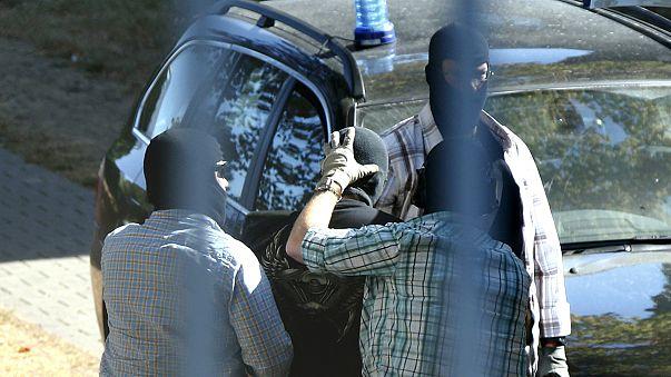 """الشرطة الألمانية تعتقل ثلاثة لاجئين سوريين يشتبه في انتمائهم لتنظيم """"داعش"""""""