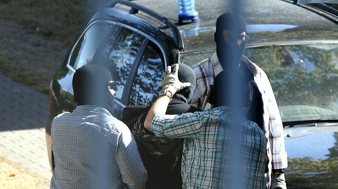 Három terroristagyanús szírt fogtak el a németországi menekültek között
