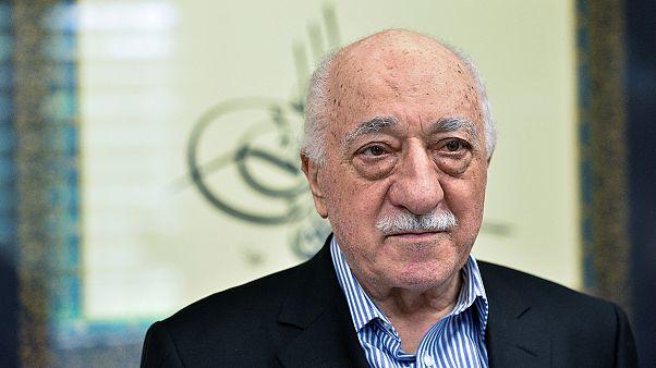 Turquía pide a EEUU la detención de Fethullah Gülen por la asonada de julio