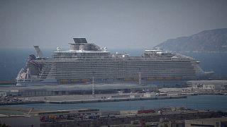Ένας νεκρός και τέσσερις τραυματίες στο μεγαλύτερο κρουαζιερόπλοιο του κόσμου