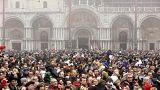 Veneza: 50.000 habitantes, 74.000 turistas diários