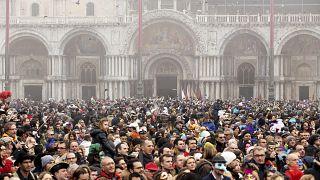 Venezia ai veneziani: i residenti protestano per dire stop al turismo di massa