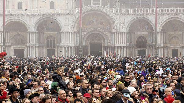 اعتراض ونیزی ها به افزایش گردشگران و کمبود امکانات