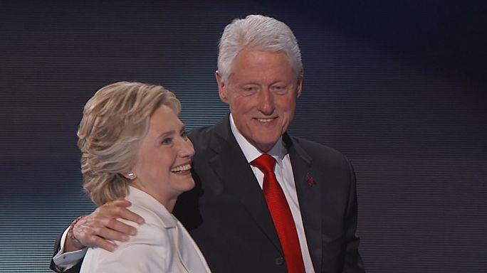 Obama Clinton mellett kampányol
