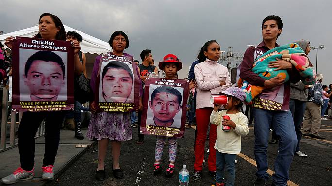 Mexico widens scope of investigation into 43 missing students
