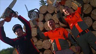 عروض شيقة في البطولة العالمية لتقطيع الخشب
