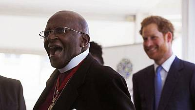 Desmond Tutu returns home after three weeks at a hospital
