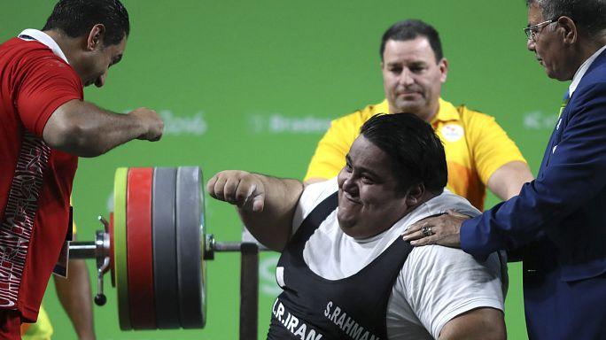 El atleta paralímpico iraní Siamand Rahman hace historia al levantar más de 300 kilos