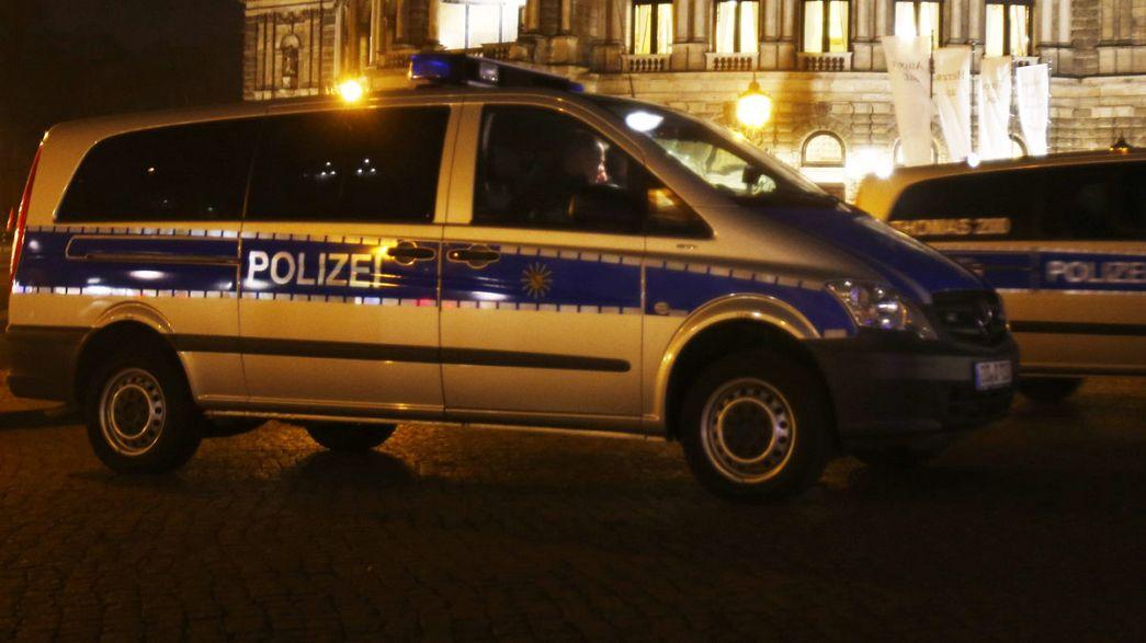 Almanya'da aşırı sağcılar ile sığınmacılar arasında kavga çıktı