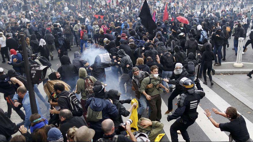 Sie geben nicht auf: Krawalle und Proteste gegen Arbeistmarktreform in Frankreich