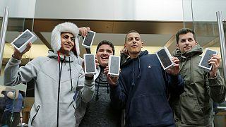 Van, aki két napig állt sorba, hogy az új iPhone az övé legyen