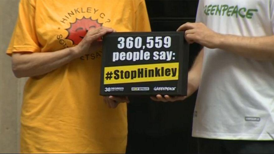 İngiltere'de çevreciler nükleer santrale karşı