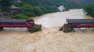قتلى وجرحى بسبب اعصار ميرانتي في الصين