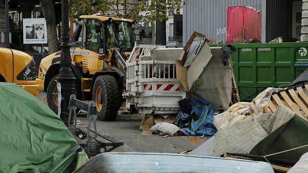 Desmantelado un campamento de inmigrantes en París