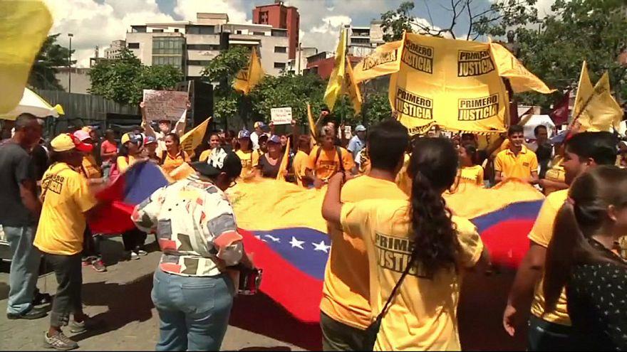 Los venezolanos exigen avances en el proceso del referéndum revocatorio contra Maduro