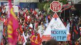 Tüntetések Németországban a szabadkereskedelmi egyezmények ellen