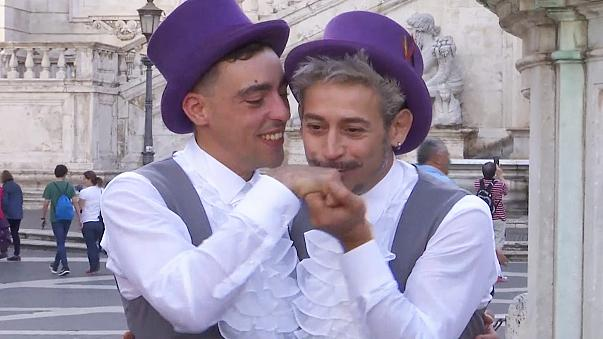 Bejegyzett élettársi kapcsolatot ünnepeltek az olasz fővárosban