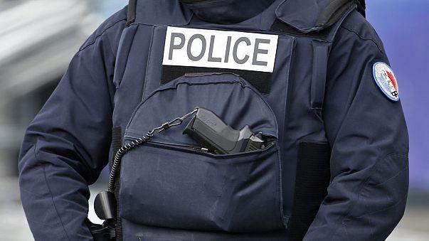 Elmúlt a veszély Párizsban