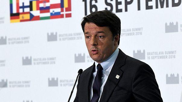 Matteo Renzi critica a gestão europeia da crise migratória