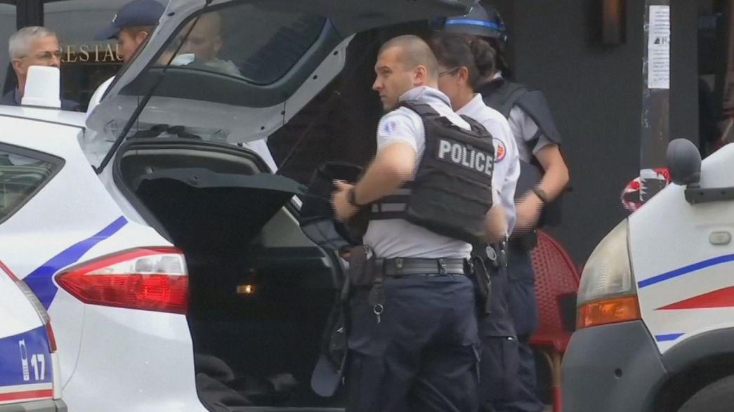 Паника в центре Парижа: смс-оповещение сработало, тревога оказалась ложной