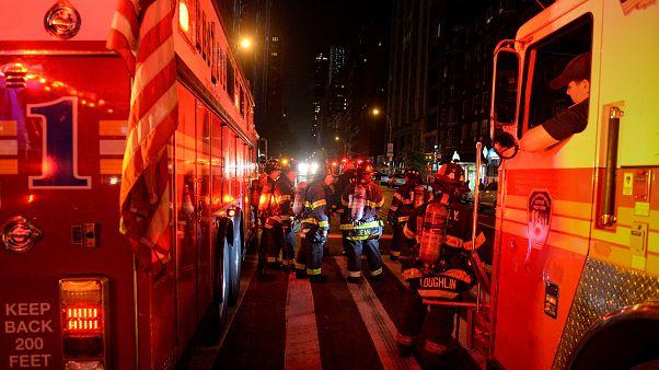 شهردار نیویورک: انفجار عمدی بوده اما هنوز ارتباطی با یک اقدام تروریستی نیافته ایم
