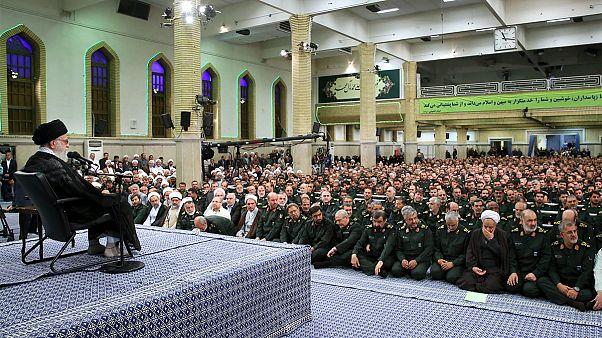 رهبر جمهوری اسلامی: بی اعتمادی به آمریکا باید روز به روز گسترش یابد