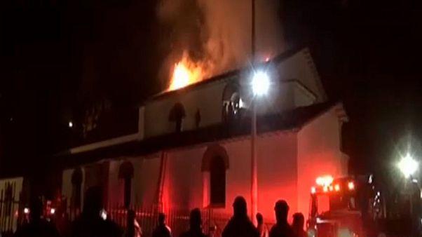 Perú: el fuego destruye una emblemática iglesia colonial en Cuzco