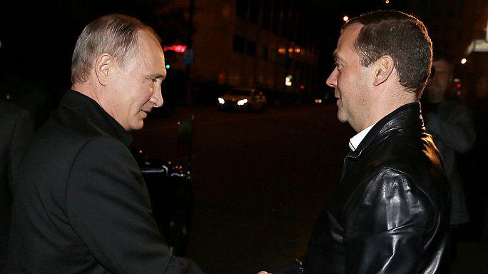 حزب روسيا الموحدة الحاكم يفوز بالغالبية المطلقة في الانتخابات التشريعية مما يؤهل بوتين للترشح لولاية رابعة عام 2018