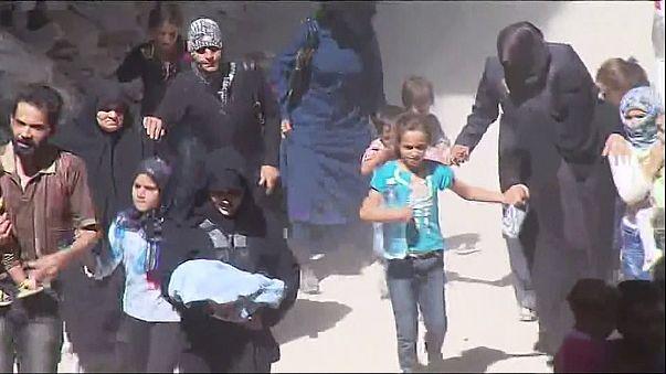 Vége a fegyverszünetnek, menekülnek a civilek Aleppóból