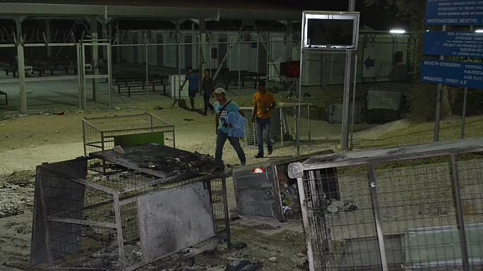 Midilli'deki mülteci kampında yangın
