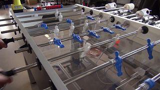 Un robot campione di calcio balilla