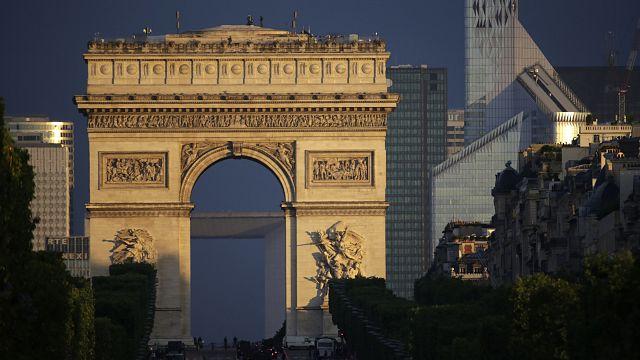 Число клиентов Airbnb во Франции выросло за год на 86%