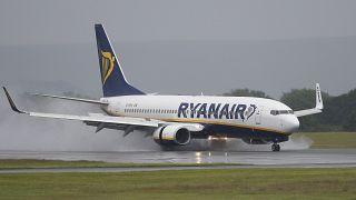 Ryanair Yunanistan'a uçuşlarını azaltacak