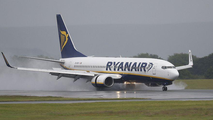 Ryanair presiona a Atenas sobre sus tasas aeropuertarias suprimiendo rutas