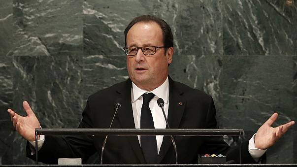 Elég volt! - szólt Szíriáról a francia államfő