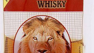 Cameroun : le whisky en sachet et en bidon interdit