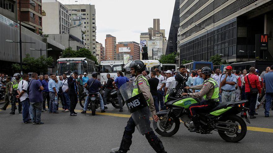 لجنة الانتخابات في فنزويلا: الاستفتاء على عزل الرئيس مادورو لن يجري خلال العام الجاري