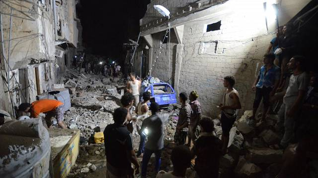 Saudi-led air strikes in Yemen city of Hodeidah kill 20