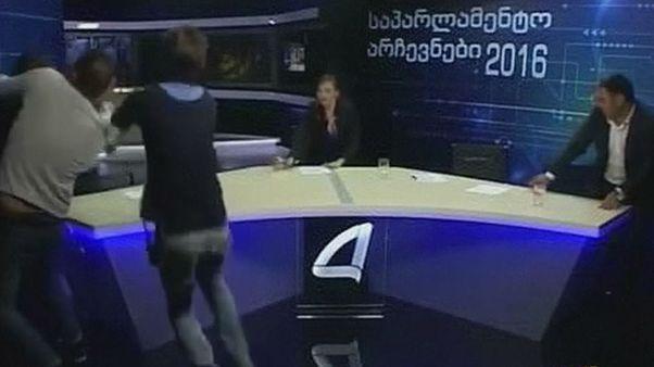Γεωργία: Ξύλο μεταξύ πολιτικών... σε απευθείας σύνδεση