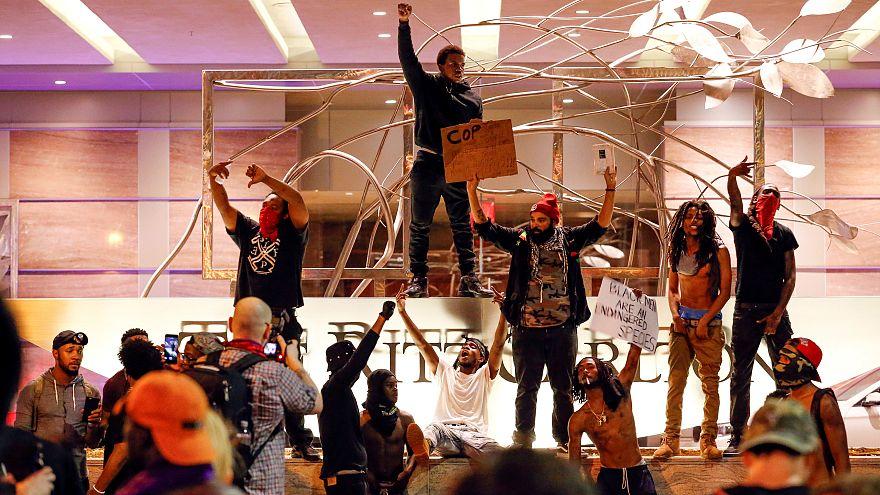 USA: stato d'emergenza a Charlotte, grave un manifestante