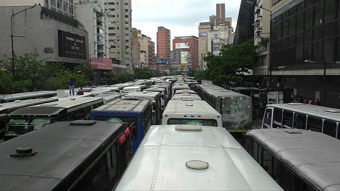 Venezuela : Maduro gagne du temps pour échapper à la révocation