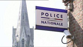 """Fransa-Belçika arasında """"yasadışı göçmen taşıyan polis"""" gerginliği"""