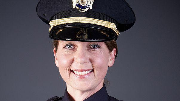 EUA: Agente da polícia de Tulsa acusada de homicídio involuntário