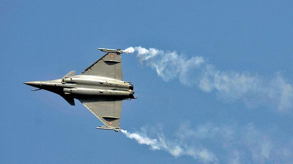 Hindistan, Fransa'dan 36 adet Rafale savaş uçağı satın aldı