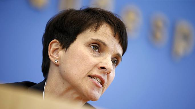 Allemagne : le parti anti-migrants de Frauke Petry en plein essor