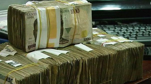 Rezession, Ölpreiskrise, Hunger: Nigeria entdeckt den Steuerzahler