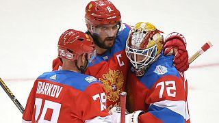 Hóquei em gelo: Rússia marca encontro com Canadá