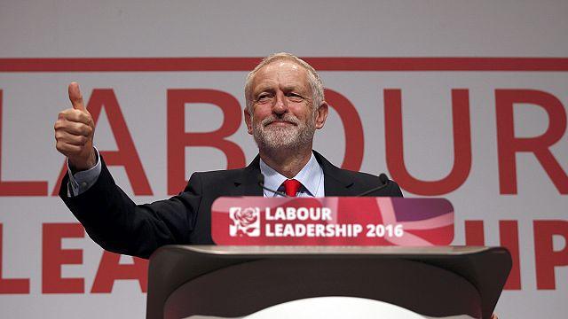 Großbritannien: Jeremy Corbyn bleibt Labour-Chef