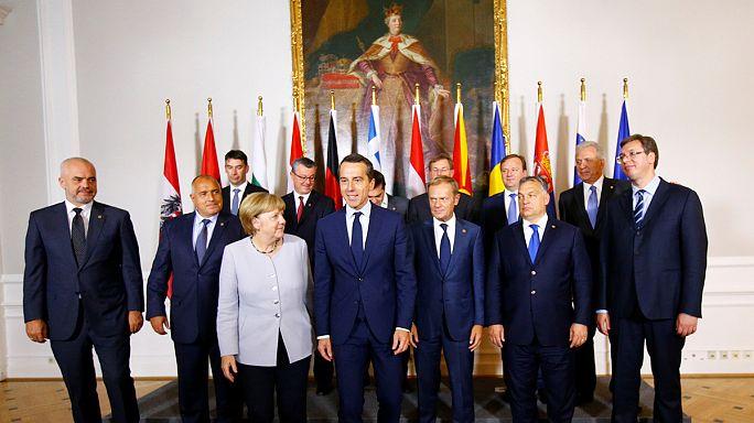 """Flüchtlingsgipfel in Wien: """"Balkanroute muss für immer geschlossen bleiben"""""""
