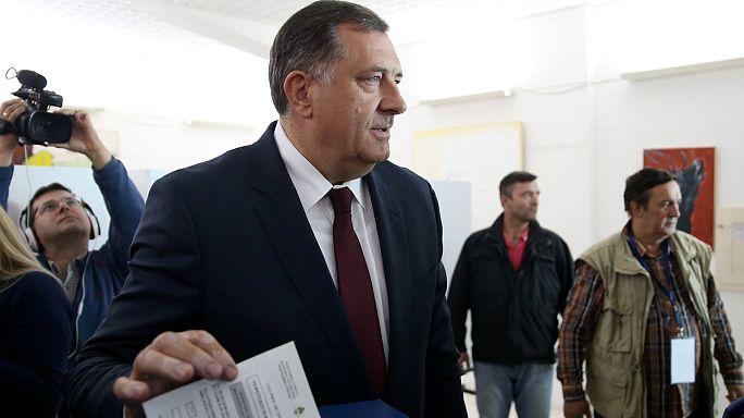 Bosna Hersek 'anayasaya aykırı' referandum için sandık başında